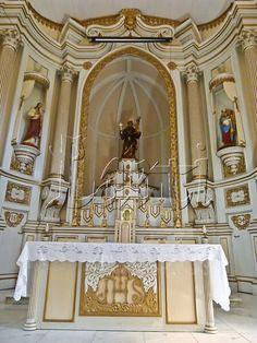 Altar da Igreja Matriz de Santo Antônio em Curvelo, MG- Praça Tiradentes;Saint Anthony's Altar at Tiradentes' Square in Curvelo - Minas Gerais - Brazil