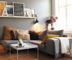 Divagations autour d'un canapé gris