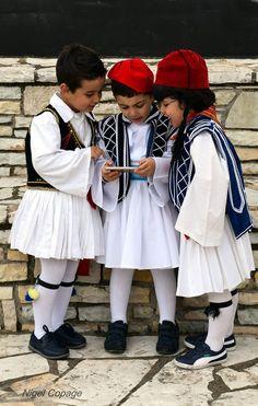 mini Greeks, Greek Independence Day Celebration Greek Independence, Winter Hats, Celebrities, Mini, Greeks, Fashion, Moda, Celebs, Fashion Styles