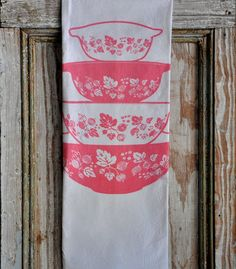If you have the illness, you know you will not survive without these. Pyrex fanatics, rejoice! Dreams do come true. This Pink Gooseberry cinderella bowl tea towel was created specifically for you. One of my favorite sets to swoon over!  S I Z E *XL tea towels measure a generous 28 x 29.  M A T E R I A L S *Pre-washed 100% cotton. Printed with environmentally friendly inks so not only can YOU feel good about your purchase, but your tea towel will feel good to the touch!  C A R E *My flour…