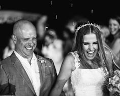 A história dos noivos Flávia Ramos e Marcelo Guaranys começou por compartilharem amigos em comum e se aproximaram depois de algumas conversas através de redes sociais. O pedido de casamento foi realizado no Rock in Rio 2013! Veja mais: http://yeswedding.com.br/pt/antena-yes/post/sim-no-paraiso