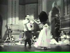 Cantinflas Bailando El Porro Nelson y sus Estrellas.wmv - YouTube Classic Movies, Videos, Movie Tv, Youtube, Singing, Album, Songs, Concert, Mario