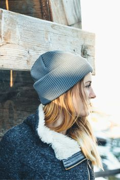 Women's Outdoor Outfit for Winter and Spring. Organic Merino Wool Beanie in Grey by VAI-KØ. Casual Winter Outfits, Spring Outfits, Beanie Outfit, Adventure Outfit, Outdoor Woman, Outdoor Outfit, Travel Essentials, Looking For Women, Sustainable Fashion