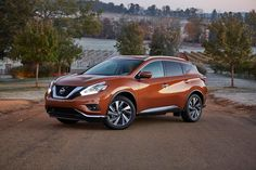 2017 Nissan Murano once again sets the standard in the midsize crossover segment – Apple CarPlay™, revised option packages added for new model year. Strong