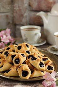 ...konyhán innen - kerten túl...: Barátfüle Hungarian Desserts, Cake Cookies, Waffles, Biscuits, Caramel, Sweets, Snacks, Baking, Breakfast