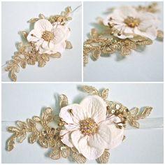 Bridal Flower Wrist Corsage Wedding Floral Bracelet di BelleBlooms