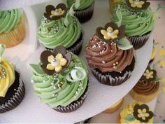 Cupcakes :: TrulyCustomCakery