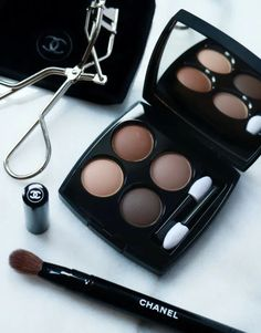 Chanel Eyeshadow, Nude Eyeshadow, Eyeshadow Looks, Eyeliner, Eyeshadows, Chanel Beauty, Chanel Makeup, Beauty Makeup, Eye Makeup