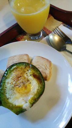 Canasta de Huevo y Aguacate
