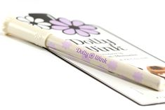Dolly Wink Pencil Eyecolor Eyeliner in White/Champagne