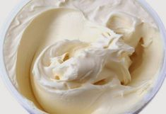 Mascarpone mousse with apricots, By Eckhart Witzigmann, sz-m Mascarpone Cheese, Chocolate Ganache Frosting, Czech Recipes, Russian Recipes, Homemade Cheese, How To Make Cheese, Cream Cake, Cake Recipes, Health Desserts