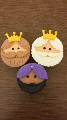 Fondant Toppers, Fondant Cakes, Cupcake Cakes, Christmas Tree Napkins, Christmas Cupcakes, Baby Shower Cupcake Toppers, Baby Shower Cupcakes, Class Snacks, Xmas Desserts