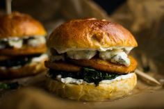 http://eateryberlin.com/pumpkin-brioche-burger-blue-cheese