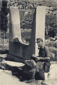 GREECE - CRETE - KNOSSOS, 1941! Ηράκλειο 1941, Κνωσσός Army History, Local History, Mycenaean, Minoan, Old Pictures, Old Photos, Battle Of Crete, Classical Antiquity, Heraklion