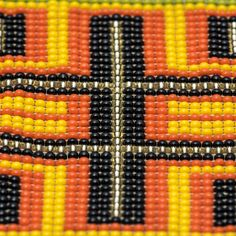 Bracelet made with crystal beads (woven by Embera Chami indigenous community women) and handmade metal piece in goldplated brass 24 Karats. Crystal Beads, Crystals, Bead Weaving, Bracelet Making, Beadwork, Bracelets, Handmade, Jewelry, Glass Beads