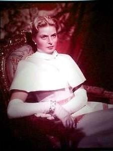 Anastasia is drawn into a plot devised by the former White Russian General Bounine (Yul Brynner) and his associates to swindle from the grand duchess an inheritance of 10 million pounds. However, the ultimate hurdle to their plan is the exiled Russian aristocracy -- in particular the Dowager Empress Marie Feodorovna (Helen Hayes) -- whom their handpicked claimant must convince of her legitimacy if they wish for their scheme to succeed.