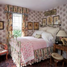 New shabby chic bedroom victorian cottage style Ideas Rose Bedroom, Pretty Bedroom, Bedroom Decor, Bedroom Ideas, Design Bedroom, Romantic Cottage, Shabby Cottage, Cottage Chic, Cottage Porch