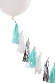 Balloon tail in blue, mint & silver