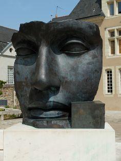 Devant le Musée des Beaux-Arts -  Photo MNC