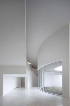 clear-glass:  Mimesis Museum / Álvaro Siza