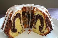Marmorkake til fest eller hverdag. Marble cake! Marble Cake, Dessert Recipes, Desserts, Sushi, Valentines Day, Muffin, Pudding, Tasty, Breakfast