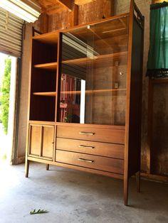 Mid Century Lane Tuxedo China Cabinet Walnut MINT modern acclaim