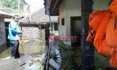 Air danau Meluap, Puluhan Rumah Warga Terunyan Terendam - http://denpostnews.com/2017/05/09/air-danau-meluap-puluhan-rumah-warga-terunyan-terendam/