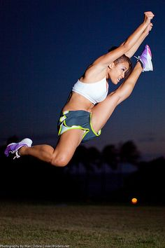 i miss cheer. wish my jumps looked like that.