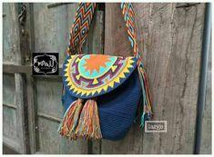 Crochet Handbags, Crochet Purses, Crochet Patron, Knit Crochet, Tapestry Crochet Patterns, Tapestry Bag, T Shirt Yarn, Poufs, Knitted Bags