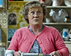 When the script called for a large extended family, Brendan O'Carroll cast a real world one - his own! Yet the relationships aren't quite what they are in 'Mrs Brown's Boys'. Irish Movies, Mrs Browns Boys, Hysterically Funny, Call The Midwife, Irish Culture, Opening Weekend, Bbc One, Movies And Tv Shows, Real Life