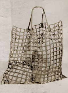 Checking out Crochet purses and handbags or Crochet handbags pattern then See the web press the link for more details -- crochet bags ideas Crochet shopping Bag - published in 1942 - for inspiration - Crocheted bag from Hilaria Fina Shopping bag used by E Crochet Handbags, Crochet Purses, Crochet Bags, Knit Crochet, Crochet Market Bag, Crochet Shell Stitch, Net Bag, Basket Bag, Purse Patterns