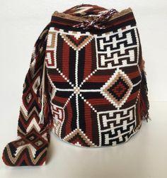 Just arrived พร้อมส่งไซส์ L สนใจไลน์มาเลยค่ะ line: @wayuustylebkk (มี@ นำหน้านะคะ) #กระเป๋าโคลอมเบีย #กระเป๋าwayuu #wayuutribe #wayuu #wayuubags #wayuumochila #wayuustyle #wayuulovers Crochet Purse Patterns, Crochet Purses, Crochet Bags, Tapestry Crochet, Beads, Instagram Posts, Crochet Pouch, Log Projects, Bags