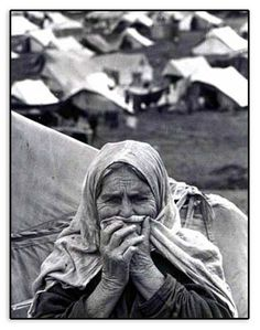 The Great Depression her expression shows what she's going through Great Depression, Depression Support, Am I Depressed, Dust Bowl, Foto Art, We Are The World, Thats The Way, Palestine, Fotografia