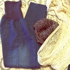 """Maternity skinny jeans 31"""" inseam size large Full panel maternity skinny jeans, get used by Lexi brand 31"""" inseam size large. EUC preloved.Shop with us to dress your bump for less  Bundle me for savings! Get used by lexi Jeans Skinny"""