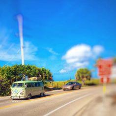 You never know what you're going to see when biking to Captiva #vintage #vw #volkswagenlove #blindpass #volkswagen #vwlove #islandvibe #islandgirl #bikeride #beachbike #bluesky #pureflorida #floridalife #goodvibes #lovefl #saltair #saltwater #paradise #captivaisland #sanibelisland #sanibelstar #sanibel #captiva #ftmyers #swfl #bocagrande #naples #oceanlove #wildchild #staysalty
