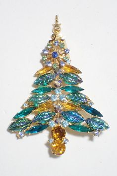 Gale & Friends Green Irridescent Art Glass Leaves Christmas Tree Brooch #GaleFriends