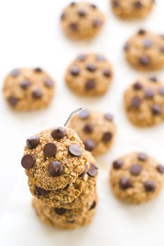 These vegan gluten free chocolate chip oatmeal cookies are ready in only 30 minutes and they are so much healthier than store bought. You need to try them!