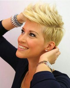 23 Short Layered Haircuts Ideas for Women - PoPular Haircuts Short Punk Hair, Short Layered Haircuts, Cute Hairstyles For Short Hair, Short Blonde, Short Hair Styles, Pixie Haircuts, Blonde Haircuts, Hairstyles 2016, Blonde Pixie