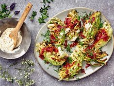 Grillattu varhaiskaali ja sinappismetana   Valio Green Eggs, Avocado Toast, Tofu, Vegetable Pizza, Quiche, Healthy Recipes, Healthy Food, Vegetables, Breakfast