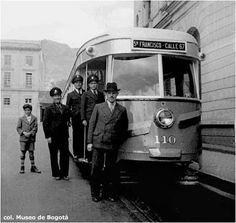 LOS TRANVÍAS DE COLOMBIA Japan Spring, Tramway, Bus, Study Abroad, Vintage Photos, Transportation, Digital Art, Santa Fe, Train