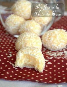 Ingredients      200 g de lait concentré sucré     15 g de beurre     120 g de noix de coco en poudre  Etapes de réalisation      Dans une casserole, mélanger le beurre et le lait concentré. Faire chauffer à feu doux pendant une vingtaine de minutes, jusqu'à ce que le mélange se détache de la paroi.     Hors du feu ajouter 100g de noix de coco. Bien mélanger puis laisser refroidir.     Façonner les truffes et les rouler dans le reste de noix de coco.  Remarque Les truffes se conservent bien…