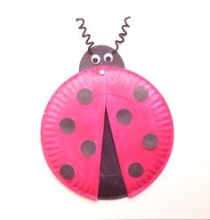 Fun ladybug paper plate craft for kids! Plus a free printable template! Only a few supplies necessary for this fun and adorable paper plate ladybug craft! Paper Plate Art, Paper Plate Crafts For Kids, Spring Crafts For Kids, Craft Stick Crafts, Preschool Crafts, Paper Plates, Fall Crafts, Arts And Crafts, Paper Crafts