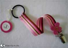 Baby girl pink pacifier clip by Melimebabybeeshop on Etsy, $10.00