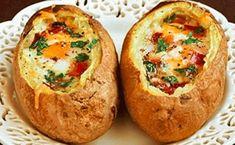 Baked Eggs and Bacon Potato Bowls - 17 Delicious Ways To Eat Potato Skins Potato Bowl Recipe, Baked Potato Recipes, Bacon Potato, Potato Skins, Egg Recipes, Cooking Recipes, Bacon Egg, Potato Food, Loaded Potato