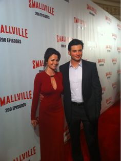 Tom Welling & Erica Durance attend 200th episode of Smallville party