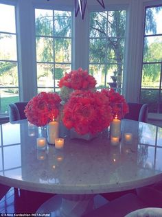 'Vibes': Khloe also uploaded a picturesque snap showing a table adorned with flowers and candles Home Design, Design Your Own Home, Casa Kylie Jenner, Home Interior, Interior Decorating, Interior Design, Interior Ideas, Mediterranean House Plans, Hosting Thanksgiving
