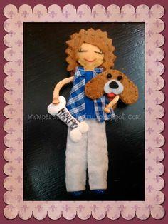 Muñequita personalizada con su perrito harpo