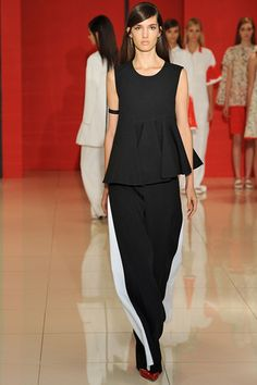 Lisa Perry Spring 2015 Ready-to-Wear Collection Slideshow on Style.com