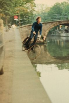 """The kind of water which we in Holland call a """"gracht"""". #BikeAMS"""