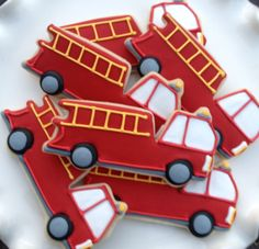 Fire truck sugar cookies Source by sandilanethomas Cookies For Kids, Fancy Cookies, Iced Cookies, Cute Cookies, Royal Icing Cookies, Cupcake Cookies, Sugar Cookies, Cupcakes, Firefighter Birthday